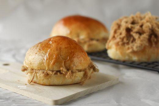 Meat floss bun