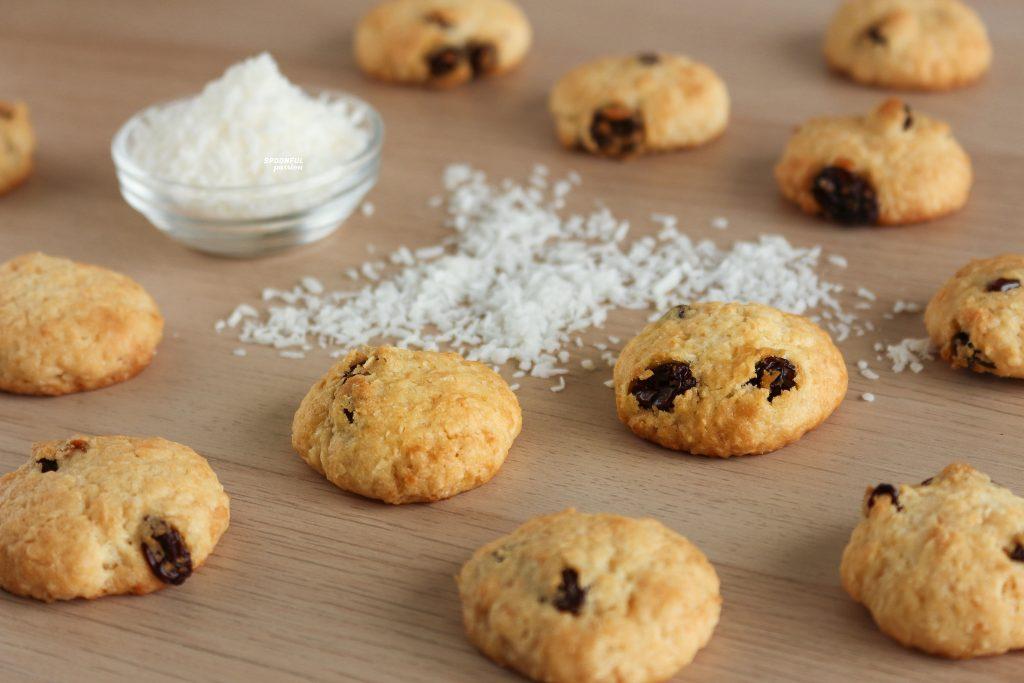 Coconut raisin cookies